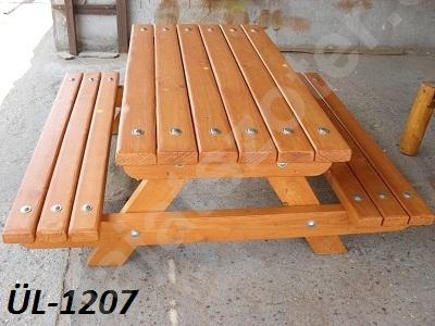 FÜL-1207 Egybeépített asztal padokkal