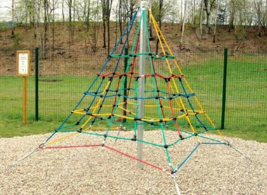 PMA-415 Piramis mászóka